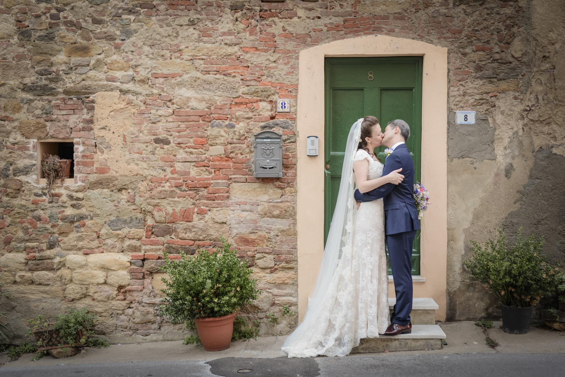 English Wedding in the Tuscan Countryside
