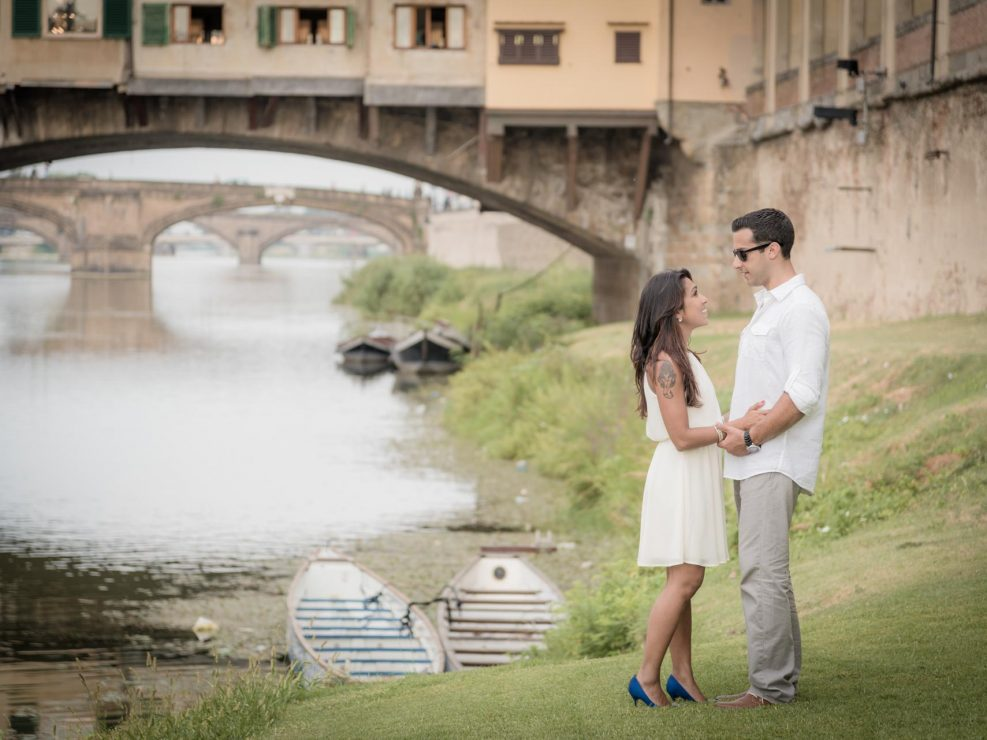 Italian destination portrait and lifestyle photographer around the bridges of Florence