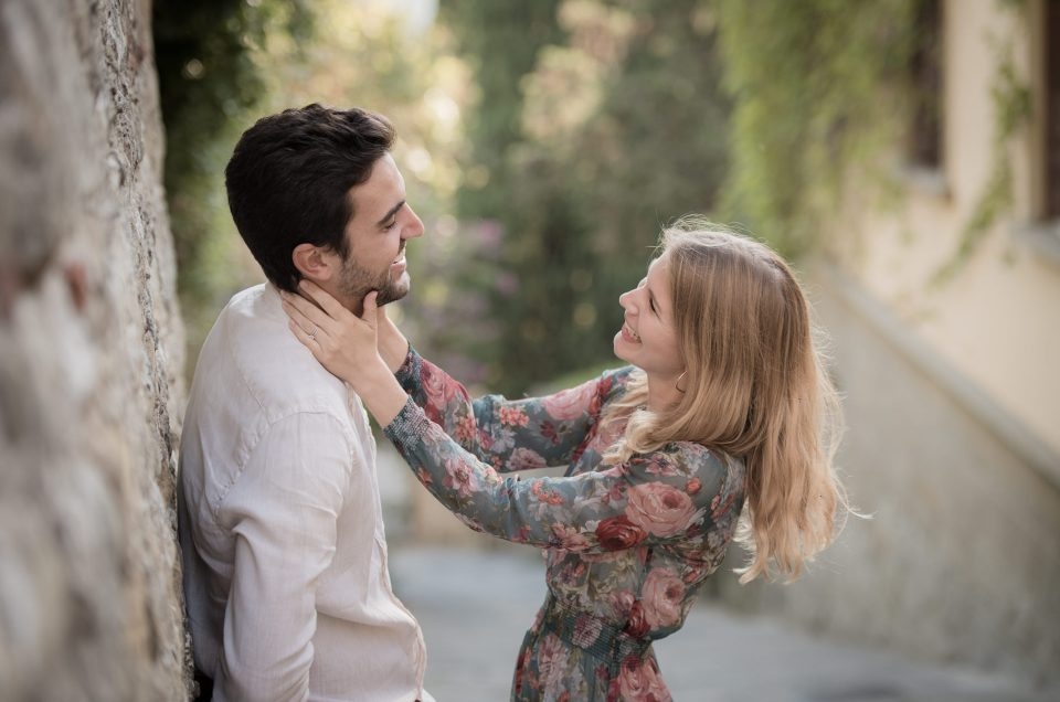 romantic engagement shoot florence Tuscany Fiesole